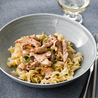 Chicken in Tarragon-Mustard Cream Sauce