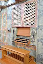 Photo: Trimanualni igralnik in nad njim prsni pozitiv - Dreimanualiger Spieltisch und das Brustwerk darüber - The three-manual-console with the chest positive above
