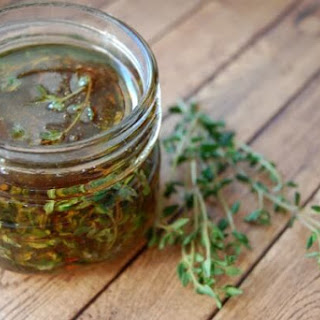 Thyme Infused Honey (and how to use it!).