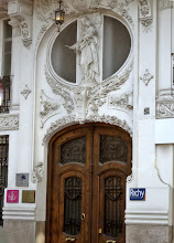 Photo: Edificio Gran Via Marques del Turia. Valencia.     http://www.viajesenfamilia.it/
