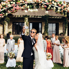 Wedding photographer Vasiliy Tikhomirov (BoraBora). Photo of 04.07.2015