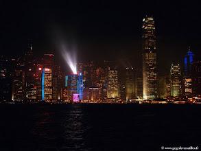 Photo: CHINE-Les tours de Hong Kong, la nuit