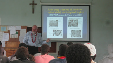 Photo: Presentation by Norman Uphoff on SRI at Don Bosco Rural Training Center, Nov. 10, 2009.