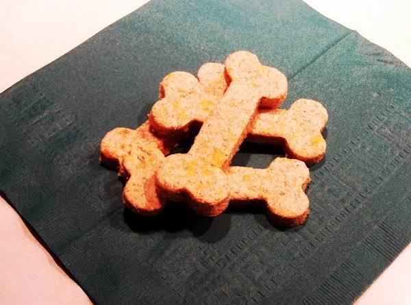 Garlic-cheddar Dog Biscuits