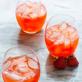Strawberry Ginger Pink Lemonade Cocktail