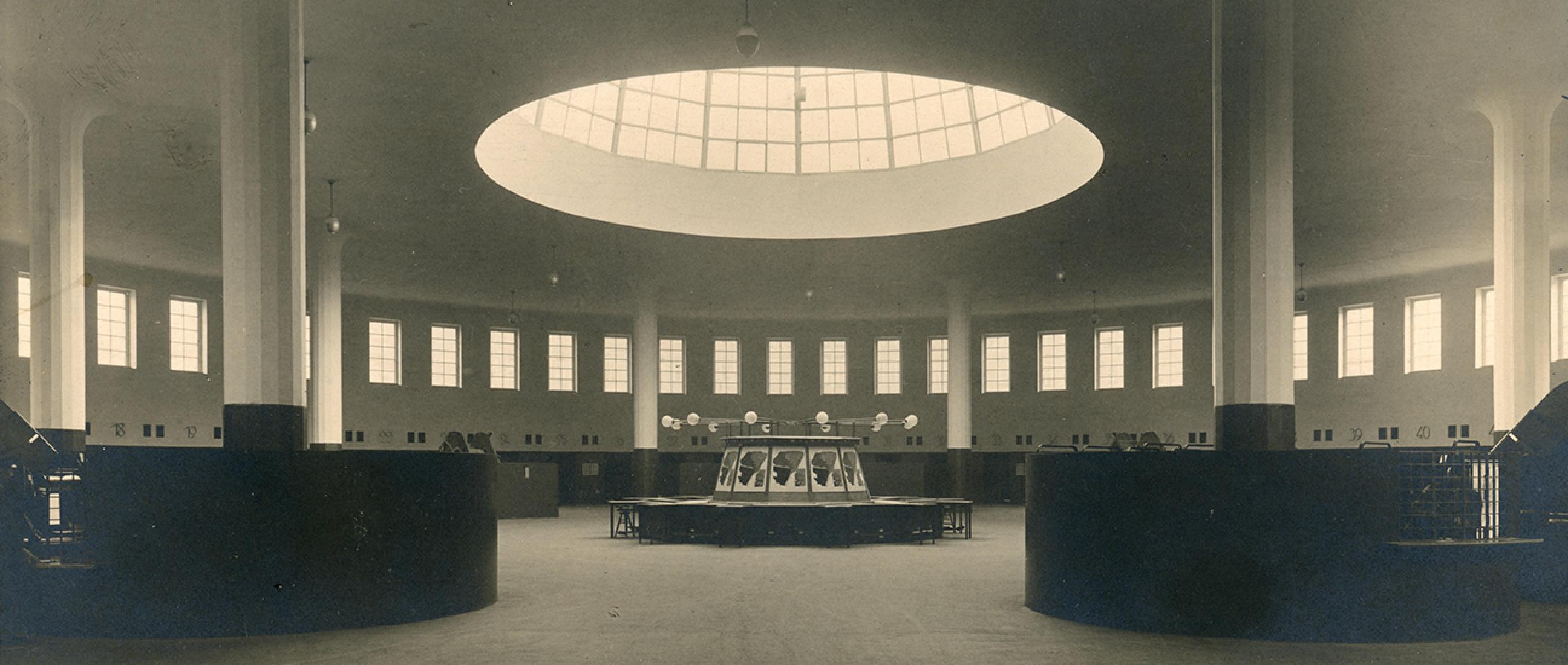 Rotunde: Paketverteil- und Verladehalle, ca. 1929 © Museumsstiftung Post und Telekommunikation