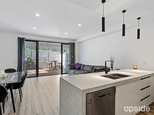 Photo of property at 15/4A Hansford Road, Coombabah 4216