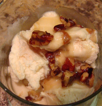 Grandma's Old Fashioned Butter Pecan Sundae Recipe