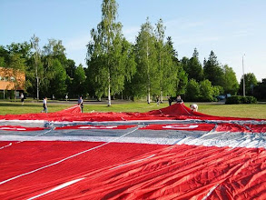Photo: Maassa pallo peitti ison osan nurmea