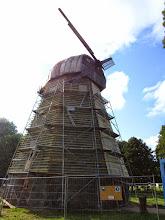 Photo: Stultiškių vėjo malūnas (1880). Malūnas yra keturių aukštų, su pasukama prieš vėją kepure. Dabar čia - Linų muziejus.
