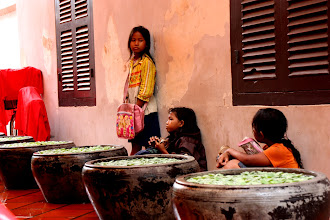 Photo: Year 2 Day 43 -  Kid Vendors in The Passageway in Siem Reap (Cambodia)