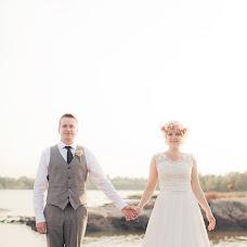 Wedding photographer Helga Golubew (Tydruk). Photo of 07.03.2015