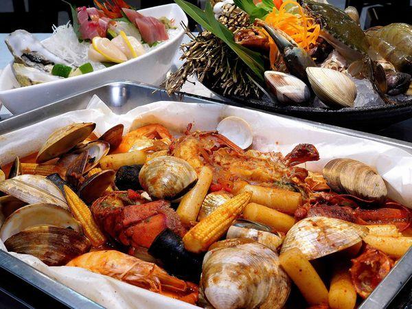 平價新鮮海鮮火鍋,紙包燒,蒸海鮮生魚片,丼飯一起來土狗樂市!!