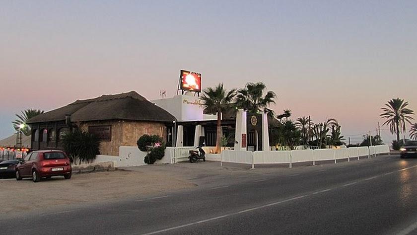 La discoteca Mandala Beach Mojácar es una de las más populares del municipio.