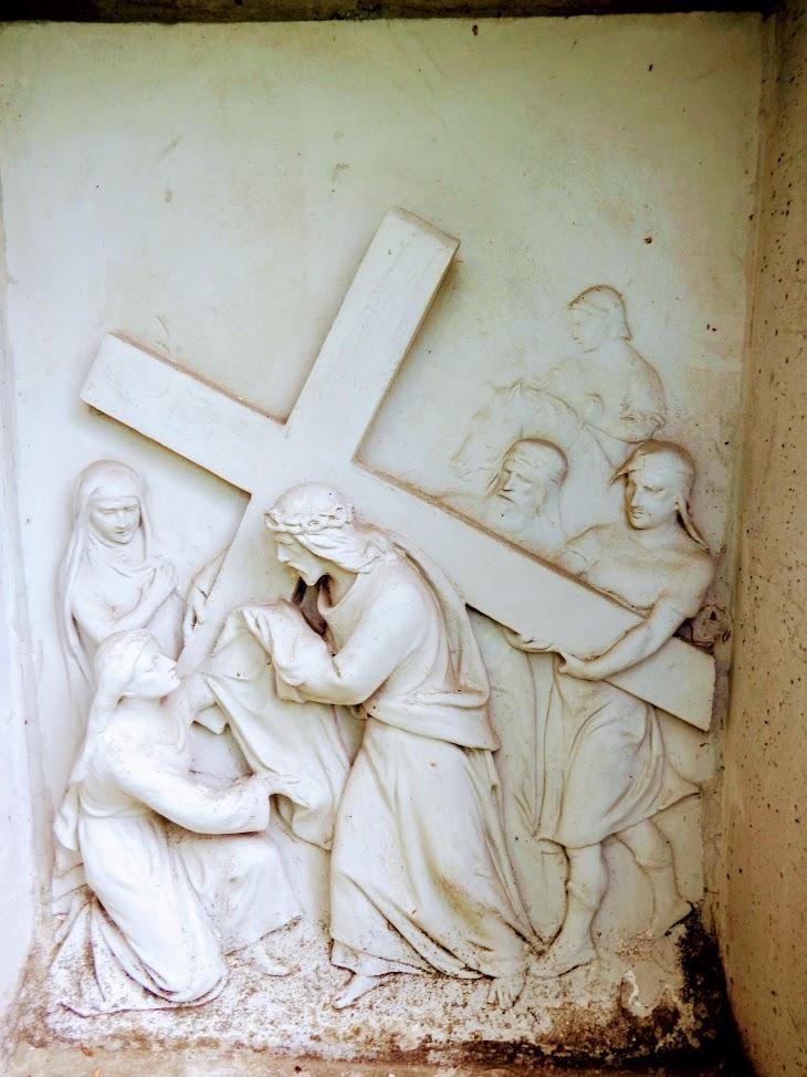Andocs - keresztút a temetődombon