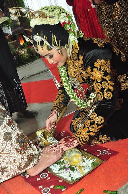 Rias pengantin berjilbab adat jawa paes ageng muslim