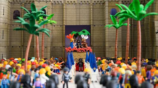 Más de 1.500 figuras de Playmobil recrean la Semana Santa de Almería