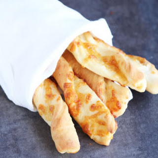 Cheddar Cheese Bread Twists