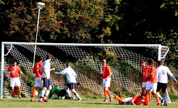 Photo: 01/10/11 v Sevenoaks (Kent County League Div 2 East) 3-1 - contributed by Paul Roth