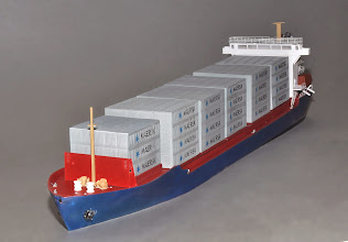 Photo: Z Scale 375' Feeder Container Ship of about 540 TEU capacity (about 270 40' containers)