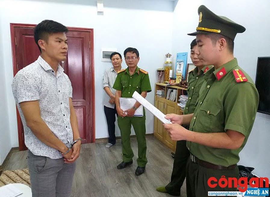 Đối tượng Phan Đại Lợi trú tại TP Vinh bị Cơ quan An ninh Điều tra khởi tố, bắt tạm giam vì đã đưa 28 người ra nước ngoài trái phép