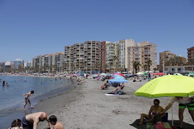 Playas urbanas de la ciudad, Zapillo, las Conchas y San Miguel.