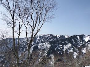 686m手前から武奈ヶ嶽を望む(手前が下山尾根)