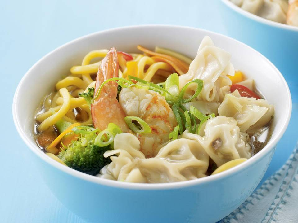how to make egg noodle soup recipe