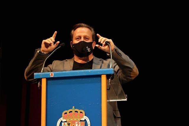 Felipe Berenguel, presidente de la Asocaición, durante su intervención.