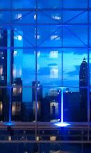 Foto: Deutschland, Frankfurt, Handy-Selbsportrait mit Skyline, 2011 (Germany, Frankfurt, mobile phone self portrait with skyline, 2011) © Eckhard Supp