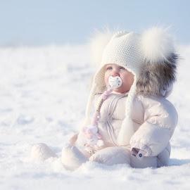 My little girl... by Johan Dubois - Babies & Children Child Portraits