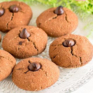 Paleo Chocolate Chip Cookies [Vegan, Gluten-Free]
