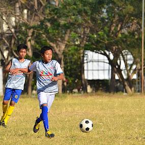 :: Sprint :: by Putu Ekak - Sports & Fitness Soccer/Association football ( twmf )