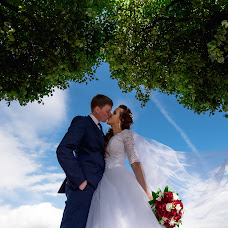 Wedding photographer Oleg Gurov (AmazinG). Photo of 21.08.2018