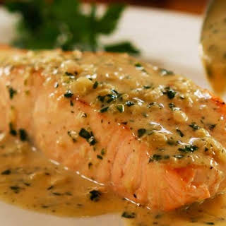 Perfect Pan Seared Salmon with Lemon Butter Cream Sauce.