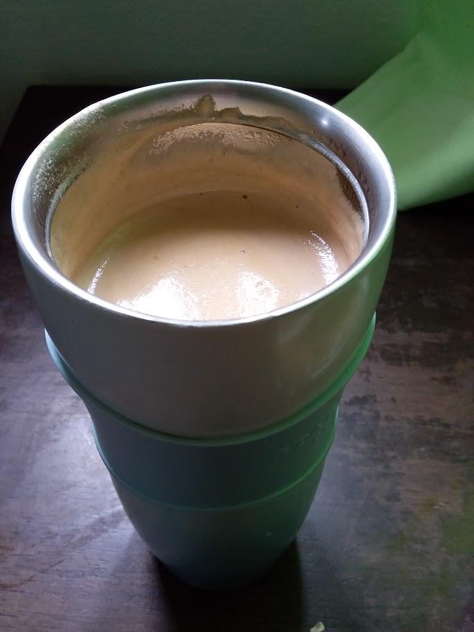 娘が作ってくれたコーヒー。スティックですが美味しさはその1万倍です。
