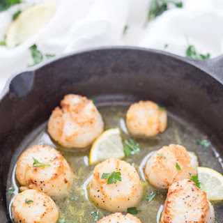 Lemon Garlic Scallops with Black Truffle Sea Salt.