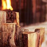 Сонник рубить дрова