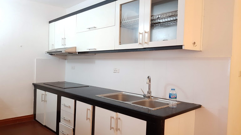 Spacious 2 – bedroom apartment with good price in Yen Phu village, Tay Ho district for rent