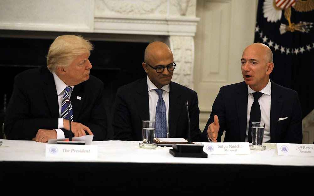 JOE NOCERA: Waarom Donald Trump se aanval op Amazon net dom is