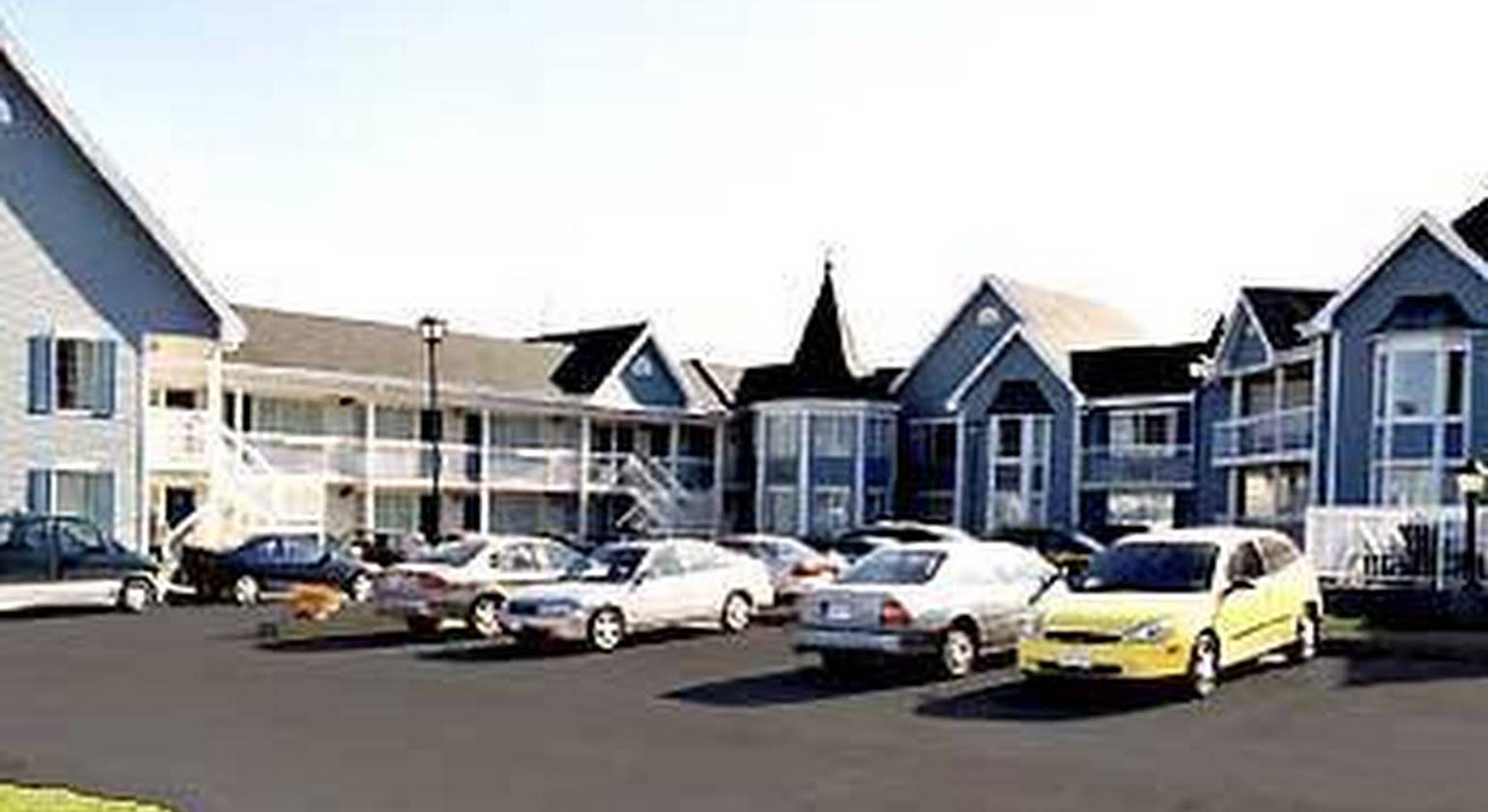 Universal Inn and Suites