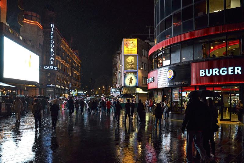 Walking in the rain di GVatterioni