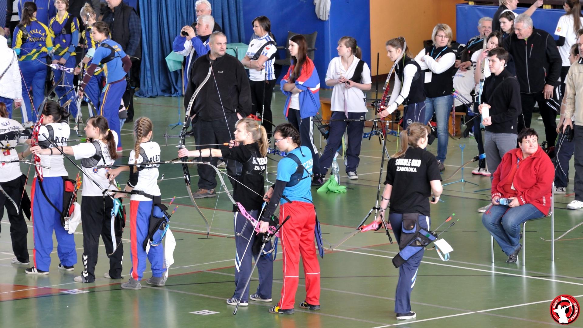 Photo: XXIII Halowe Mistrzostwa Polski Juniorów M³odszych - Zgierz 2013