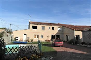 Maison 9 pièces 233 m2