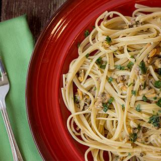 Pasta con Vongole (White Clam Sauce)