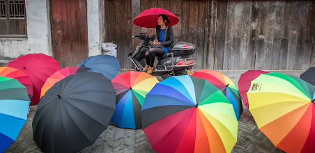 Photo: The one that didn't win :)  http://mitchellmasilun.com/2013/12/06/national-geographic-photo-contest-day-25365/  +ColorsOnFriday curated by +Karsten Meyer +Britta Rogge #ColorsOnFriday  #china  #chinatravel  #chinaphotography  #suzhou  #weatherphotography  #colors  #colorful  #photography  #travel  #travelphotography  #travelphotos