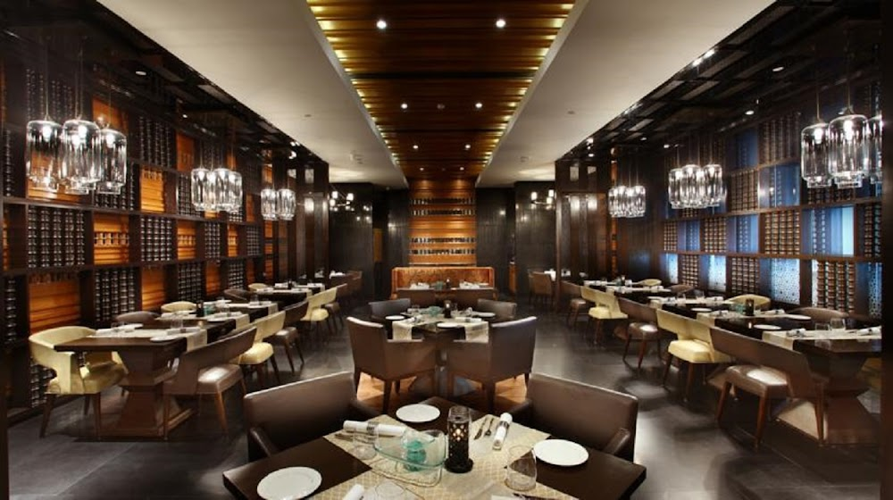 best-christmas-brunch-and-dinner-in-pune_mosaic_crowne_plaza_jpg