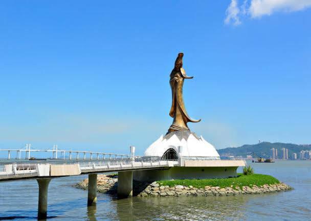 Estátua Kun Iam