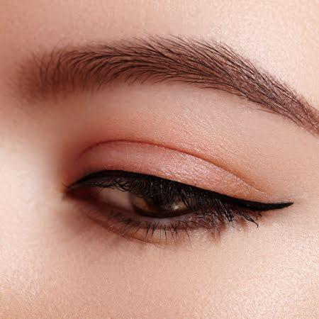 Semi-Permanente make up
