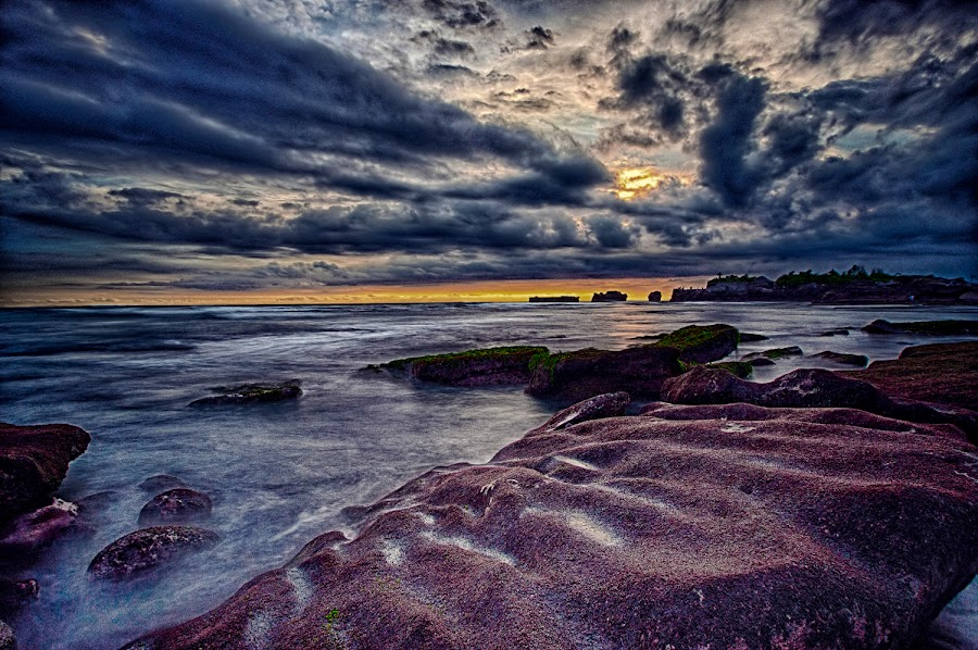 The Lost Sunset by Rizki Mahendra - Landscapes Cloud Formations ( sunset, cloud, seascape )